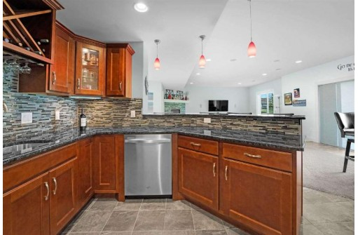 4632 Mistflower Ct, DeForest, WI 53532