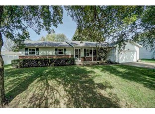 210 Bentwood Dr Marshall, WI 53559