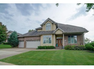 2582 Oak View Ct Fitchburg, WI 53711