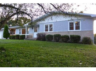 406 N 4th St Mount Horeb, WI 53572