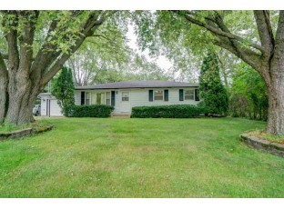 622 Central Ave Deerfield, WI 53531