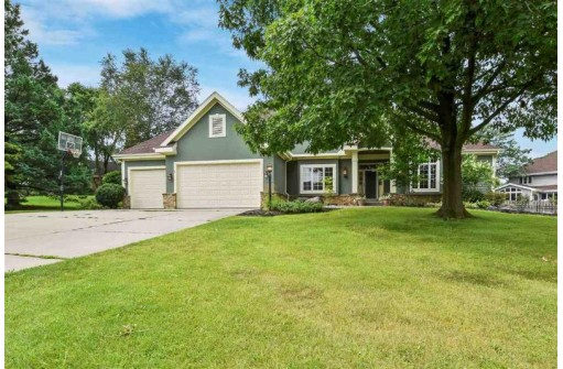 5815 Windsona Cir, Fitchburg, WI 53711