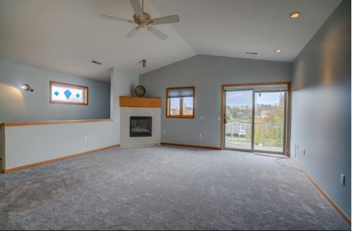 648 Military Ridge Dr, Verona, WI 53593-1767