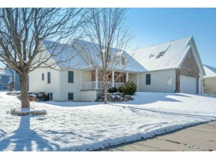 811 Chickadee Dr Cambridge, WI 53523