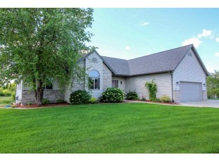 801 Chickadee Dr Cambridge, WI 53523