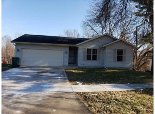 210 Sterling Dr Edgerton, WI 53534