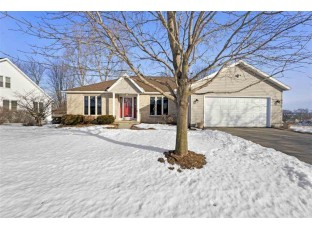 683 Ridge View Ln Oregon, WI 53575