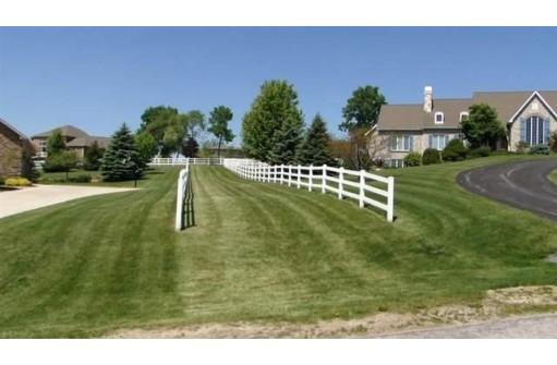 L125 Derby Downs Dr, Waunakee, WI 53597