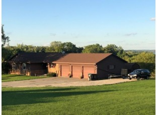 150 Grandview Ct Edgerton, WI 53534