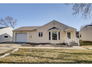37 S Meadow Ln Madison, WI 53705-5001