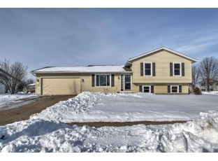 621 Bentwood Dr Marshall, WI 53559