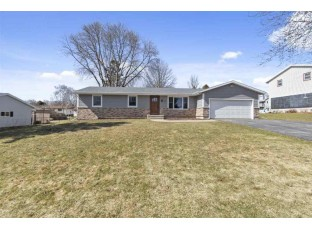 207 Indian Summer Rd Marshall, WI 53559