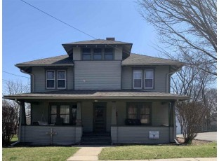 129 N Park Whitewater, WI 53190-1328