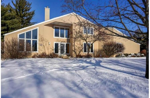 1519 Pleasant View Dr, Wisconsin Dells, WI 53965