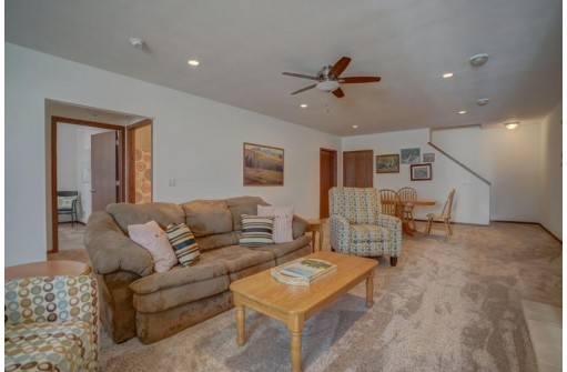 232 Elliott Ln, Oregon, WI 53593