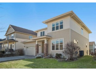 9009 Ancient Oak Ln Verona, WI 53593