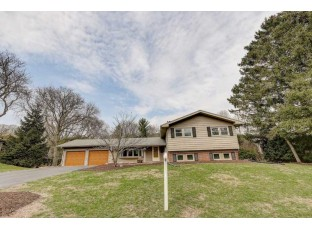 6006 Piping Rock Rd Madison, WI 53711