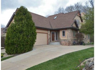 2974 Woods Edge Way Madison, WI 53711