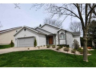 2813 Maple View Dr Madison, WI 53719