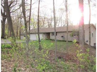 9643 N Arrowhead Shores Rd Edgerton, WI 53534