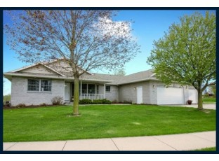 803 Chickadee Dr Cambridge, WI 53523-9274