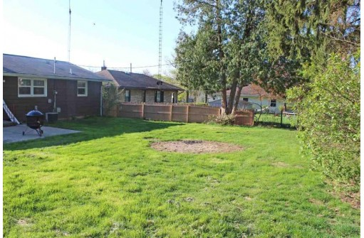 2209 14th Ave, Monroe, WI 53566
