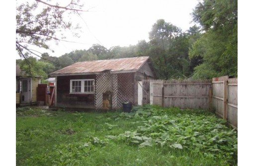 405 Madison St, La Valle, WI 53941