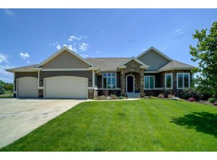 1427 Cottontail Dr Waunakee, WI 53597
