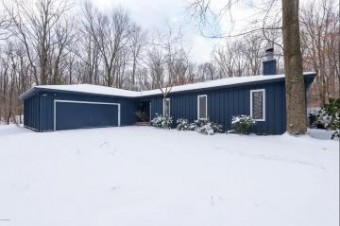 7444 Youngren Road Three Oaks, MI 49128