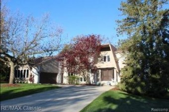 3805 Spanish Oaks Dr Dr West Bloomfield Township, MI 48323