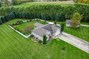 70390 Fawn Lane Edwardsburg, MI 49112