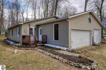 3953 White Birch Drive Grawn, MI 49637
