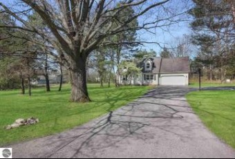 7707 Hampton Circle Grawn, MI 49637