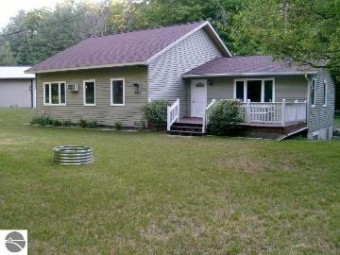 4405 E Duck Lake Road Grawn, MI 49637