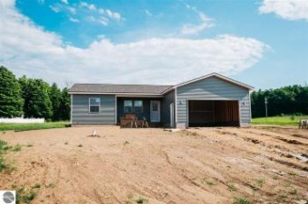5381 Revella Lane Grawn, MI 49637