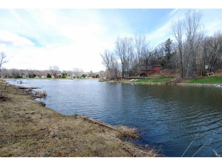 L26 Swallow E Redstone Dr La Valle, WI 53941 by Re/Max Preferred $132,000