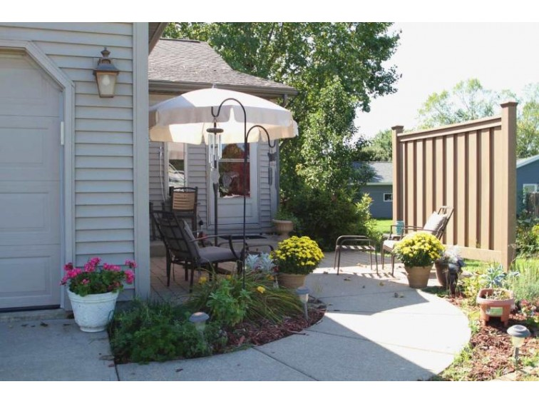 603 Eagle Crest Ct, Prairie Du Sac, WI by Nth Degree Real Estate $224,900