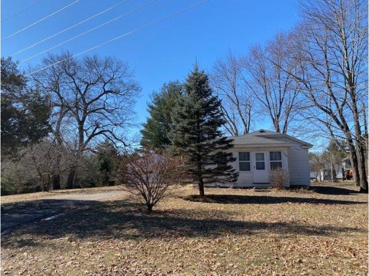 723 Clara Ave Wisconsin Dells, WI 53965 by Weichert, Realtors - Great Day Group $180,900