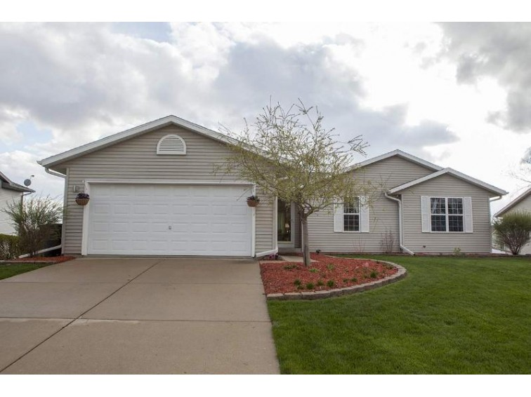 217 Oakbrook Dr Lake Mills, WI 53551 by Badger Realty Team $294,500