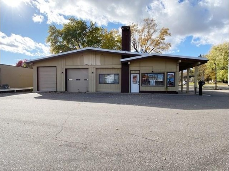 1400 S Central Avenue, Marshfield, WI by Century 21 Gold Key $225,000