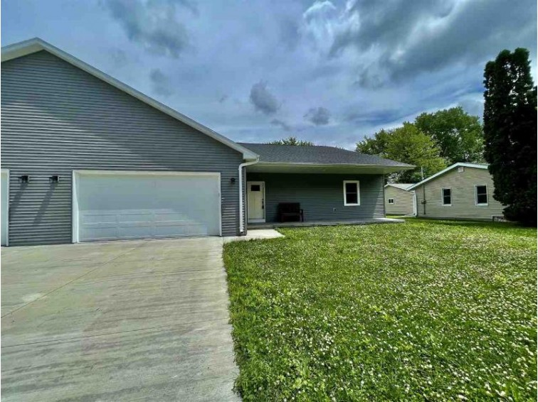 208 S Washington Street Berlin, WI 54923 by First Weber Real Estate $244,980