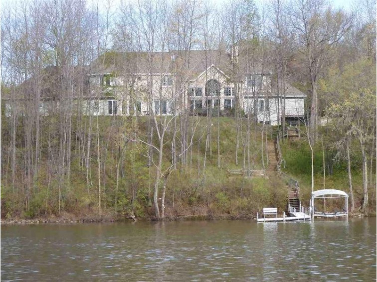 3519 Lost Dauphin Road, De Pere, WI by Mark D Olejniczak Realty, Inc. $949,900