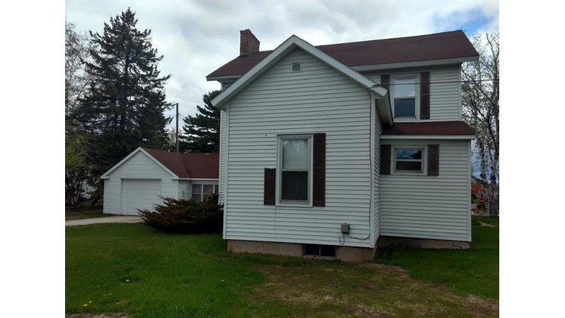 937 & 941 State St Marinette, WI 54143 by Broadway Real Estate $174,900
