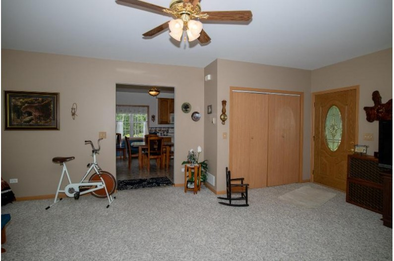 Entry/Living Room