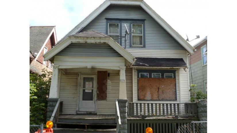 3570 N 19th St Milwaukee, WI 53206 by Century 21 Affiliated - Delafield $9,450