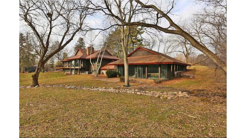 6147 Taylor Ave Mount Pleasant, WI 53403-9765 by RE/MAX Newport Elite $2,950,000