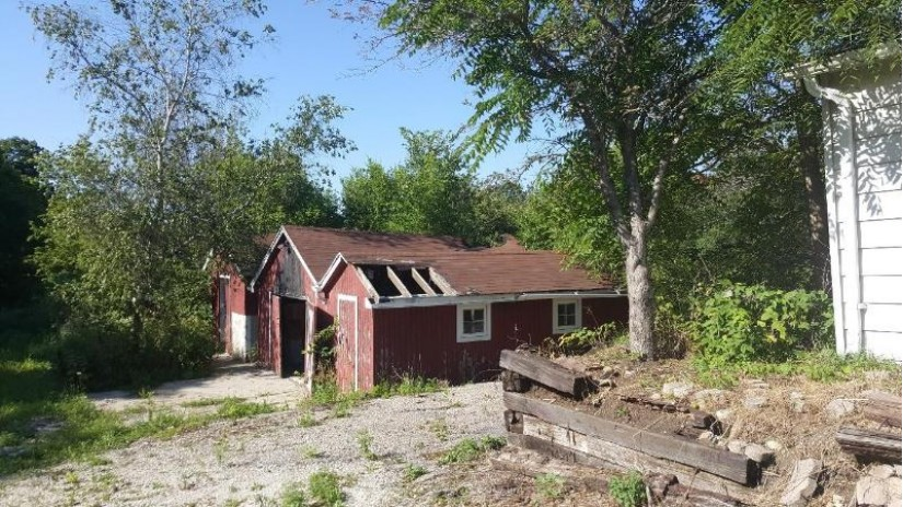S68W22850 National Ave Vernon, WI 53103 by Homestead Realty, Inc~Milw $619,000
