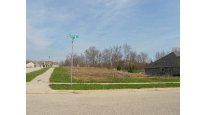 LT7 Kettle Ct West Bend, WI 53095 by Russell Real Estate $49,900