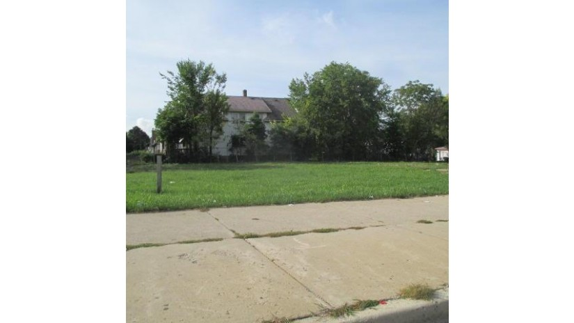 2401 W Capitol Dr 2411 Milwaukee, WI 53206 by Redevelopment Authority City of MKE $56,500