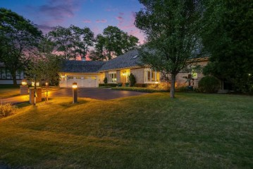 1260 E Donges Ct,Bayside,WI 53217